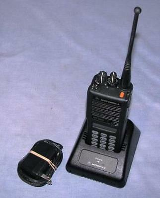 Motorola MT2000 UHF Programmed to Recieve Chicago Police Zones & City Wides