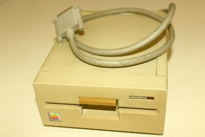Apple II External 5.25 Floppy Drive   Model Number A9M0107