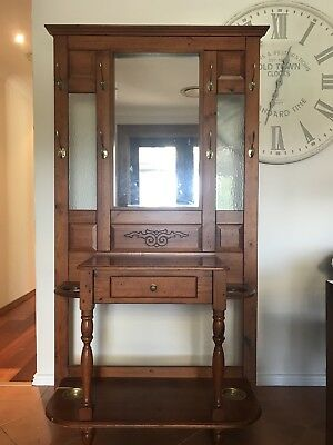 Beautiful Elegant Timber Hall Coat Hat Stand