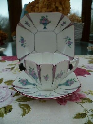 Vintage Shelley China Trio Tea Cup Saucer Queen Anne Urn Vase 11495