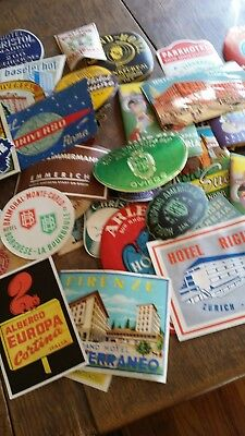 30 Vintage Or Antique International World Travel Hotel Luggage Labels - Unused