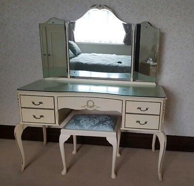 Antique Louis Style Dressing Table with Triple Fold Mirror Ivory/White and Gold