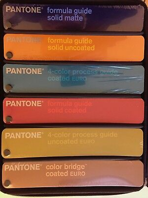 Pantone Fächer - Essentials EURO GPE204 SIX GUIDE SET