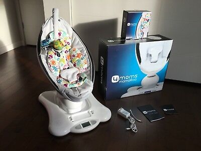 4moms mamaRoo Classic - Grey - w/ Infant Insert Barely Used in Original Box