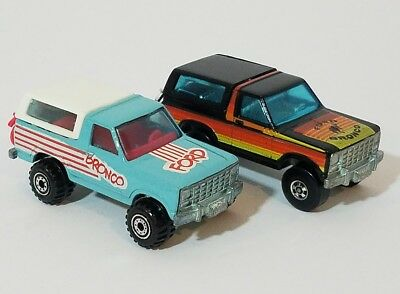 Lot of 2 vintage 1980 Hot Wheels Ford Broncos.  Turquoise and black  Mint