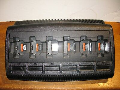 Motorola Gang Charger NNTN8355A CP200, CP200XLS, PR400 etc in great condition