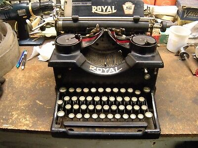 Vintage 1923 ROYAL MODEL NO. 10 DOUBLE GLASS PANELS TYPEWRITER QX696100