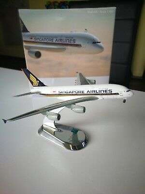 Airbus A 380-800 Singapore Airlines 1:400 Modellflugzeug (Metall)