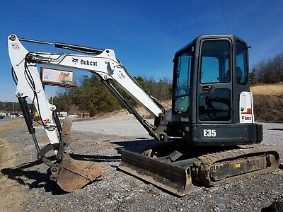 Bobcat E35M Compact Excavator With Hydraulic Thumb & Enclosed Cab Heat/air