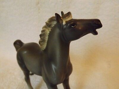 Vintage horse figurine, Grey with white, beautiful piece!