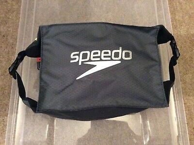 Speedo Pool side bag. 5L capacity. BNWT Grey/black RRP £12. Buy £5.Waterproof.