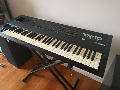 ENSONIQ TS10 with stand. 1994 model, All working