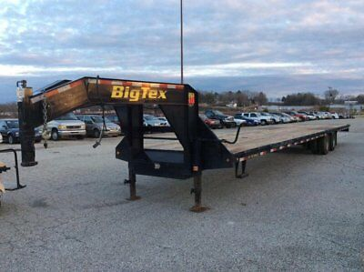2015 Big Tex 22GN Equipment Trailer