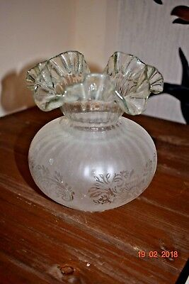 Art Nouveau Oil Lamp Frilly Glass Shade