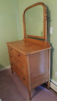 1930s Antique Maple Bedroom Set