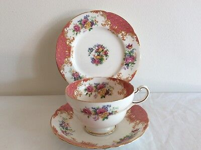 "Trio Paragon By Appointment Fine Bone China ""Rockingham"""