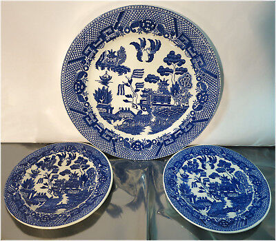 Vintage Pottery, Ceramic Plates - Blue Willow -  JAPAN