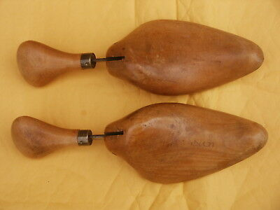 """Vintage collectable  1930s """"Walk Over"""" Adjustable shoe trees size 4-5"""