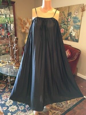 Vintage JC Penney Pleated Black Nylon Nightgown Gold Trim Small Med Large ILGW
