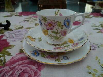 Lovely Vintage Royal Albert English China Trio Tea Cup Saucer Plate Anemone