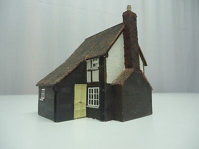 Model Train HO Hornby Country House -