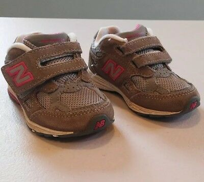 best sneakers 7b05a 4995b New Balance 990 Toddler Size 5 W Girls Gray Pink Athletic Running shoes