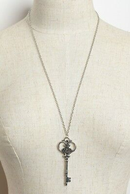 Women's Fashion Silver Plate Vintage Antique Style Key Necklace NWT