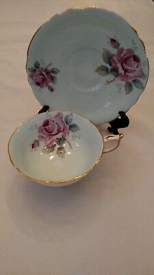Vintage Paragon by appt Queen Mary Fine Bone China England Tea Cup & Saucer set