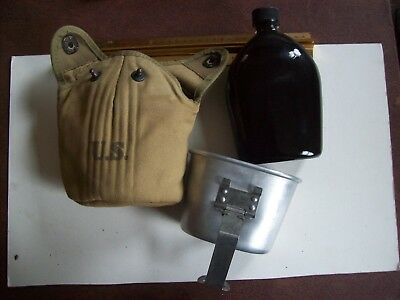 military equipment; WW2 porcelain canteen w/cup and cover