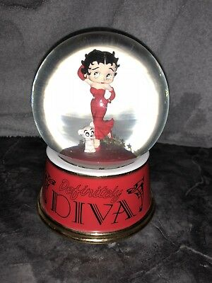 "Betty Boop ""Definitely Diva"" waterglobe"