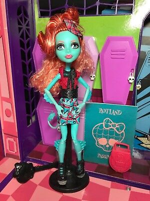 Monster High Doll - Lorna McNessie - Student Exchange Program - Great Condition
