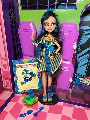 Monster High Doll - Cleo De Nile - Gloom & Bloom Rare - Great Condition