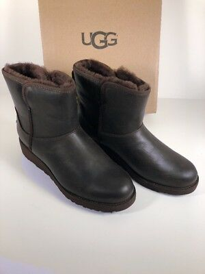 358bef9b79b UGG KRISTIN Leather CLASSIC Size 8.5 Stout Brown Slim WEDGE ANKLE BOOTS  1019640