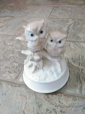 VINTAGE OTAGIRI Musical Owl Figurine Japan made. plays Close to You Great Condit