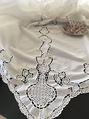 Vintage White Tablecloth With Crocheted Lace