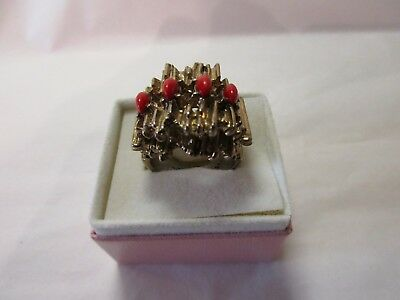 unusual vintage gold toned bark effect ring (approx size o 1/2)