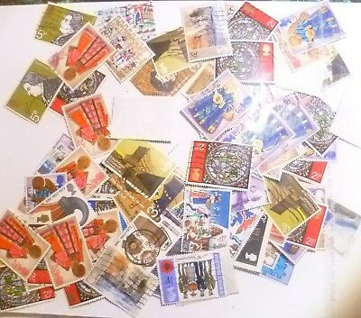 Great Britain 100sSTAMPS COMMEMORATIVES 1970s onward, MIXED LOT. nice condition.