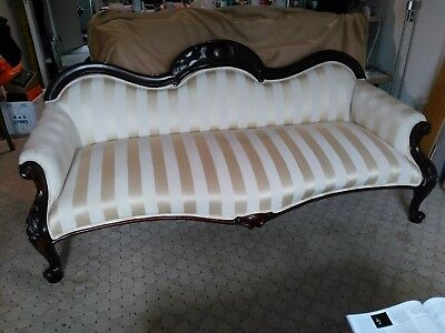 Original Victorian 3-seater settee sofa, fully refurbished, lovely piece