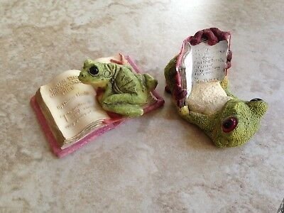 Stone Critters tree Frogs with Books figurines