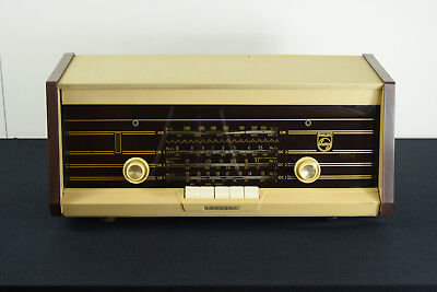 1960s Vintage Phillips B4X47A Valve Radio - Made In Holland