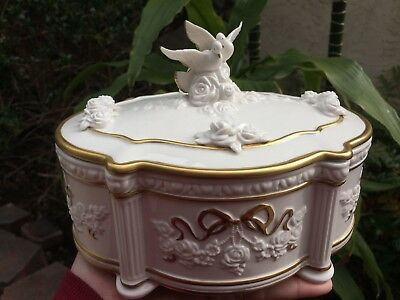 Vintage 1991 Franklin Mint House of Faberge Snow Dove Jewelry Music Box