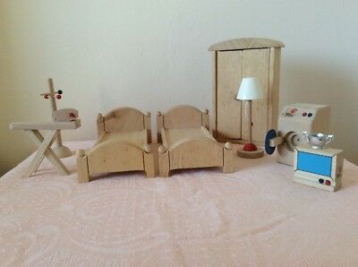 Wooden Dolls House Furniture 9 Pieces