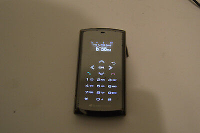 Boost Mobile Sanyo Qualcomm 3G CDMA Flip Phone & Charger
