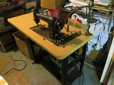 SINGER 31-15 - Heavy Duty Industrial Leather Sewing Machine with Light