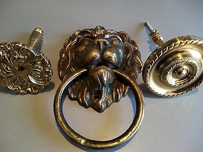 Vintage ANTIQUE Solid Brass  Figural Lions Head Door Knocker +OLD BRASS  BUTTONS