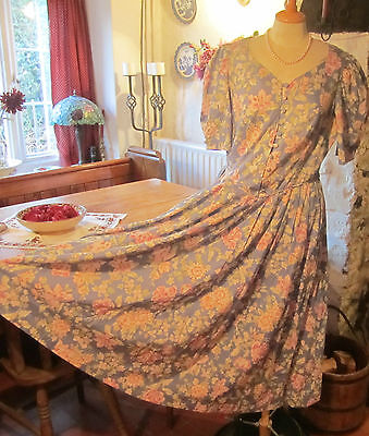 Vintage Laura Ashley Dress. Beautiful Fabric & Detail. Excellent Condition.