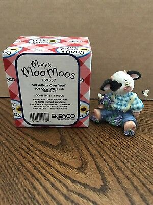 """Enesco Mary's Moo Moos """"All A-Buzz Over You!"""" Boy Cow With Bee  159557"""