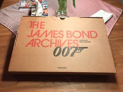 The James Bond Archives by Danny Graydon (Okt-2012) mit Filmcell