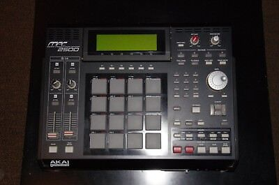 Akai MPC 2500 128MB RAM - 80 GB HDD - CF Card Slot - CD/DVD RW Drive