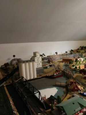 Huge DCC Ho train layout. All Digitrax, to much to list, everything goes